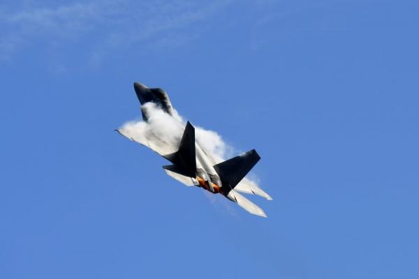 США разместят на Аляске 150 военных самолетов пятого поколения