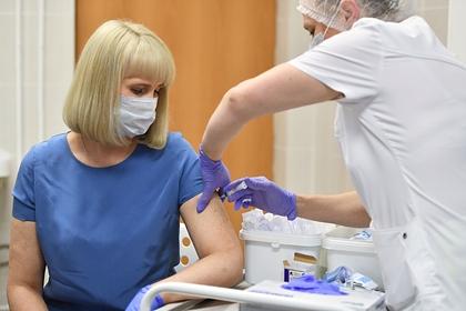 Записавшихся наиспытания вакцины откоронавируса москвичей посчитали