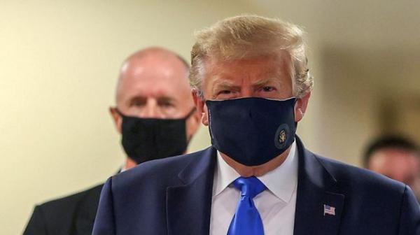 Белый дом: Трамп переносит коронавирус с«мягкими симптомами»